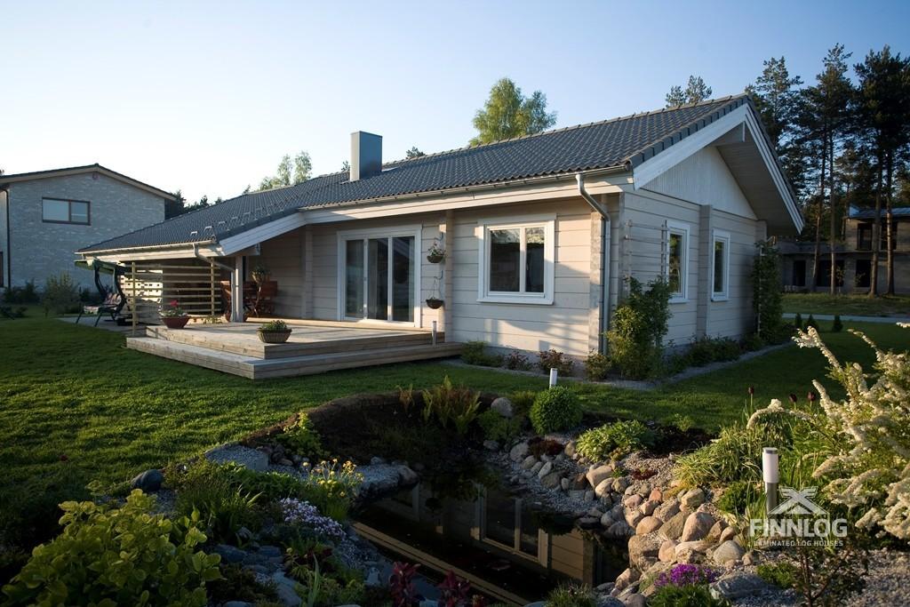 Galatea Blockhaus mit Terrasse und Teich